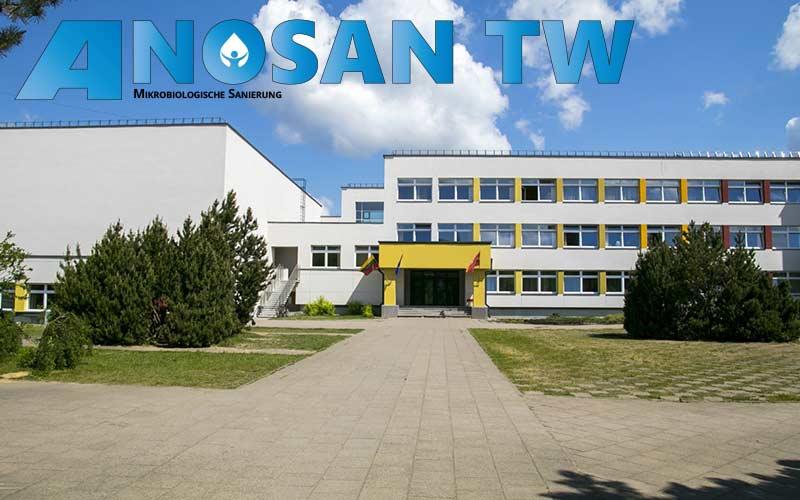 Schulzentrum-einer-Grund--und-Realschule-mit-Sporthalle